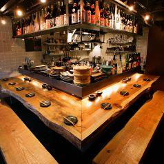 デート、会社帰り等ゆっくりと料理を楽しむ★カウンター席ではプロの料理人の仕事ぶりを眺めつつ、ふと外の景色も眺めながら、ごゆっくりどうぞ♪