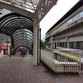 豊田市駅、改札出てすぐに右に曲がり、右のエスカレーターを下ります!そして直進!