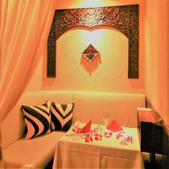《密着デート個室》☆6席限定☆カーテンで仕切れるお二人だけのプライベート空間。お二人が自然と寄り添えるようなカップルシートです♪