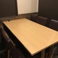 テーブル席を繋げて最大20名様でのご利用も可能です