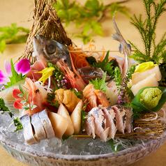 料理メニュー写真豪快!鮮魚7点盛り