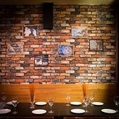 テーブル席6池袋 、東口のバルでご宴会、接待 、飲み放題 、ワインを。