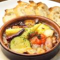 料理メニュー写真ミニトマトとベーコンのアヒージョ