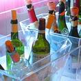 ワインビュッフェも10種類充実の品ぞろえ!更に、生ビールにカクテル、レモンサワーまで飲み放題!