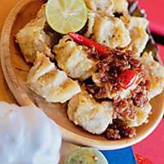 Fried Siomai (Dumpling) w/ Garlic Sauce  揚げシュウマイ 自家製食べるラー油のせ