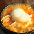 料理メニュー写真純豆腐チゲ ~スンドゥブチゲ~