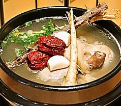 料理メニュー写真ミニ参鶏湯(サムゲタン)