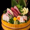 料理長が厳選した食材を使用した料理をふんだんに取り揃えております!新鮮な鮮魚を使用した料理や濃厚な味わいがやみつきになる肉料理などもリーズナブルな価格でご提供いたします。食材の旨味、食感を大切に丁寧に調理した品々を是非ご堪能ください!