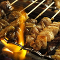 料理メニュー写真■【炭火焼き鳥】鳥もも/むね/砂肝/レバー/皮/カシラ/ハツ/ねぎ/ししとう