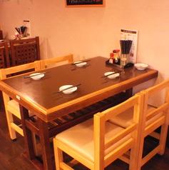 2名~使えるテーブル席!4名まで可能!全部で3卓あるので4人以上でももちろん利用可能です!