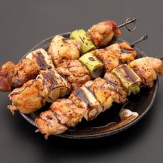 料理メニュー写真ジャンボねぎま串 (塩・タレ・味噌)