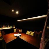 【1F個室空間】2名~6名様でご利用いただける個室空間。周囲を気にせずお食事や会話を楽しめます。女子会やカップルの記念日等でのご利用におすすめ!