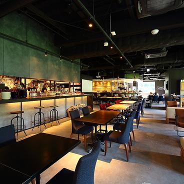 RED&BLUE CAFEの雰囲気1