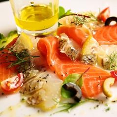 料理メニュー写真ビアンコ&ロッソ ~鯛とサーモン 2色のカルパッチョ ~