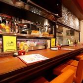 カウンター席は、横並びデートに最適♪美味しい料理とお酒で、楽しいひと時をお楽しみください。もちろんお一人様も大・大・大歓迎です!