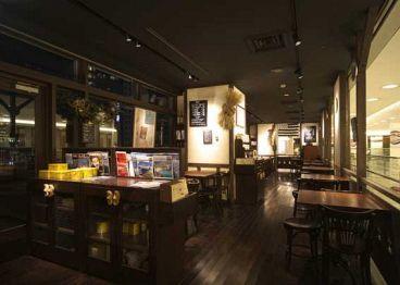 ブレッツカフェ クレープリー 名古屋タワーズプラザ店の雰囲気1