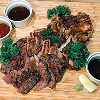 1kgメガ肉盛り\2800(税別)