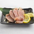 料理メニュー写真熟成地鶏のむねタタキ
