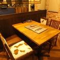 テーブル席は全6席ご用意してます♪組み合わせ可能なので2名様から10名様以上も対応できます(^^♪