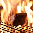 オーダーを受けてから職人が火入れする絶品の藁焼き!鰹、鰤、鰆の3種類をご用意しています!当店にお越しいただく際は、必ずご注文ください!
