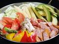 料理メニュー写真アボカド&トマト鍋