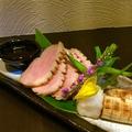 料理メニュー写真合鴨と千住葱 辛味大根のソース