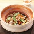料理メニュー写真鶏五目土鍋