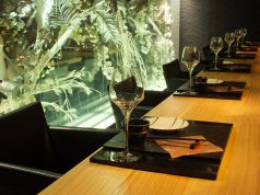 お一人様や、デートにはカウンター席がおすすめ。お料理にあう日本酒をご提案させて頂きます。料理長から粋なサービスもあるかも♪