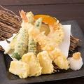 料理メニュー写真海老と季節野菜の天ぷら