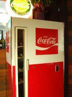 コカコーラの瓶用冷蔵庫☆