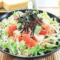 料理メニュー写真有機野菜とキヌアのプチプチサラダ