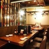 和の雰囲気漂うテーブル席★各種ご宴会、承っております♪