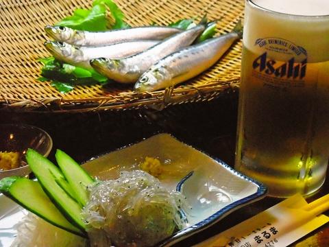 地元漁港直買の新鮮な魚で造るいわしメインの料理の数々。旬の魚を美味しく食べたい。