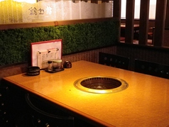 テーブルのお席です。ご家族やご友人同士などご利用シーンはさまざま。