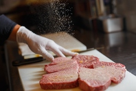 とことん肉を味わうなら「ノダニク」で。