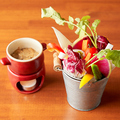 料理メニュー写真自家製ソースのバーニャカウダ