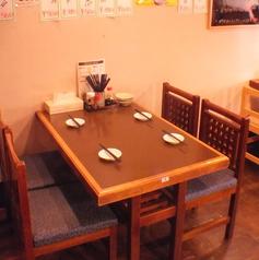 テーブル席は全部で3席!2/4/6…12名と利用シーンは様々!