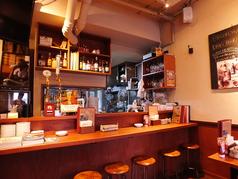 木目調の落ち着いた内装の店内。ランチでもディナーでもリラックスしてお食事を楽しんでいただけます♪#ランチ #ディナー #中目黒