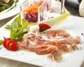 料理メニュー写真イタリア産生ハムプロシュート