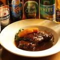 料理メニュー写真牛ホホ肉のホロホロ赤ワイン煮込み