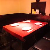 1階テーブル席。並べて8名様までOKです!