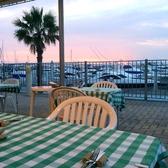 4名掛けのテーブルテラス席は2つご用意がございます。こちらのお席はペット連れのお客様にもご利用頂けます。