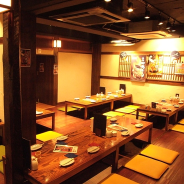 昆ぶ家 こぶや 新宿西口店 創作鶏酒場の雰囲気1