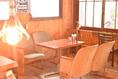 古い映画館で使われているシアターシートのテーブル席!