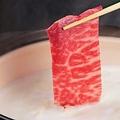 料理メニュー写真国産牛と茶美豚の湯豆腐しゃぶしゃぶ