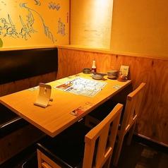 組み合わせ次第で大人数もご対応可能なゆったりとしたテーブル席です!
