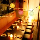 フロアテーブル席は暖簾で仕切らせて頂きます。テーブルを合わせて大人数用にすることも可能です。歓送迎会・女子会・誕生日会・記念日・宴会・飲み放題も♪ママ会にも注目です♪仙台駅 居酒屋 個室 単品飲み放題 焼き鳥 海鮮 牡蠣 牛タン 肉 誕生日 女子会★チーズタッカルビ人気店 チーズダッカルビ