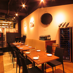 【テーブル席】6名様用のテーブル席はご家族でもご利用いただけます!広々としているのでゆっくりとお食事をご堪能いただけます!