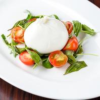 イタリアより届く滑らかで濃厚なブラッティーナチーズ