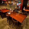 広々としたテーブル席は4名様までOK。